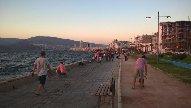 İzmir Konak Sahili Kordon boyu...