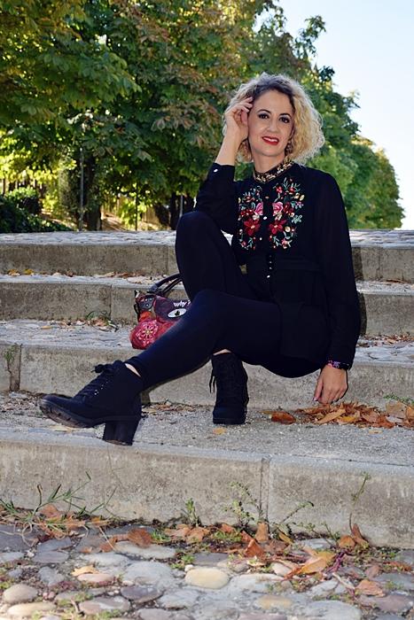 Outfit-bluson-negro-flores-6