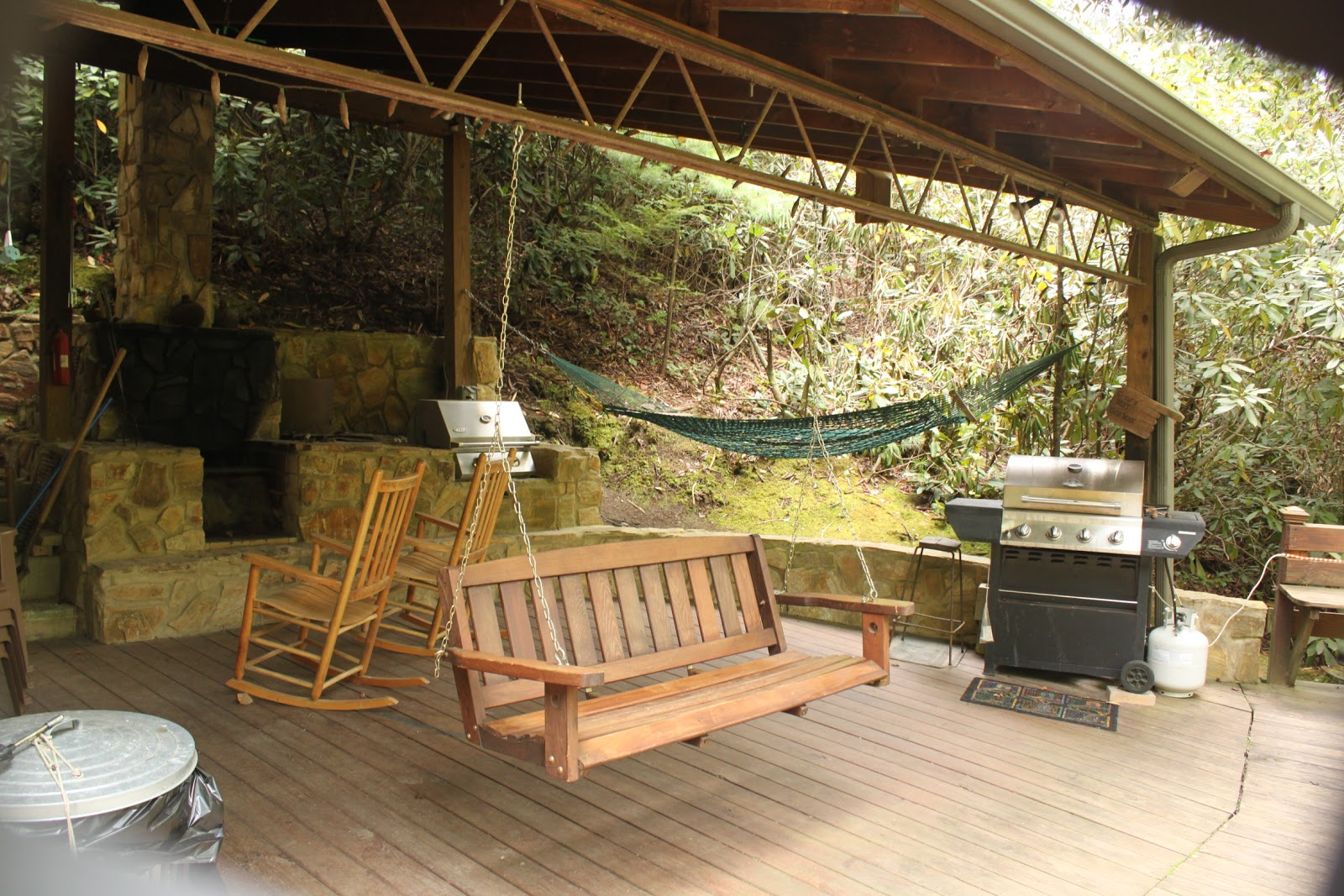 Brown Mountain Lodge And Creekside Cozy Cabin Rentals