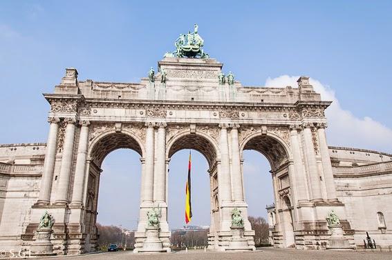 Fotografia del Arco del triunfo del parque del cincuentenario en Bruselas
