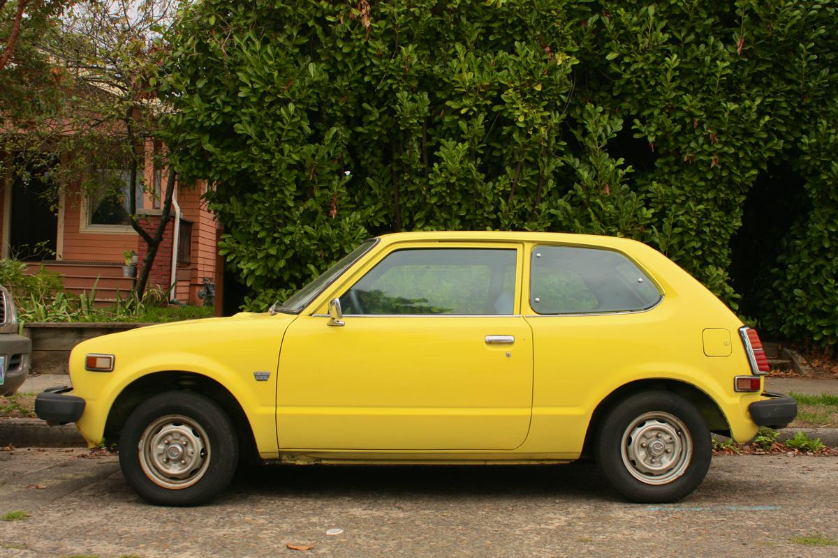 OLD PARKED CARS.: 1979 Honda Civic 1200.
