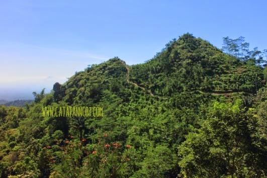 Gunung Kukusan Menikmati Dan Meneropong 8 Gunung Di Jawa Tengah Catatan Nobi