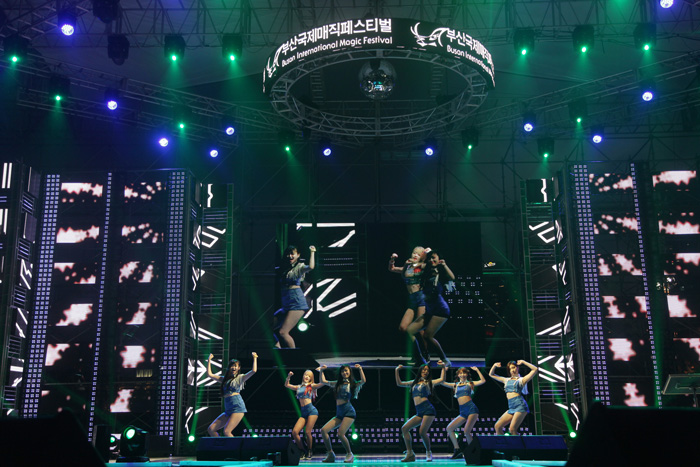 модная одежда, korean fashion, основы корейской моды, корейская мода, корейские бренды, фанат к-попа kpop, k-pop, фестиваль в корее, отдых в корее, лето в корее, фестиваль грязи в корее, рок фестиваль, рок музыка, фейерверк в корее, война с японцами