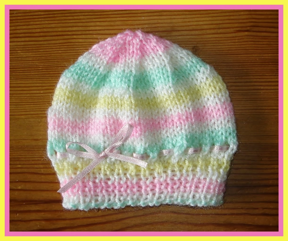 Marianna's Lazy Daisy Days: Candystripe Knitted Baby Hats