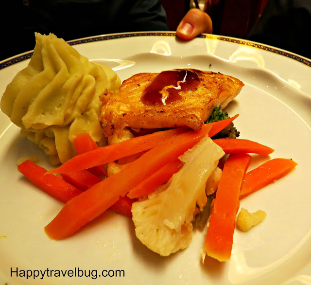 Salmon, vegetable and mashed potatoes on Holland America Cruise