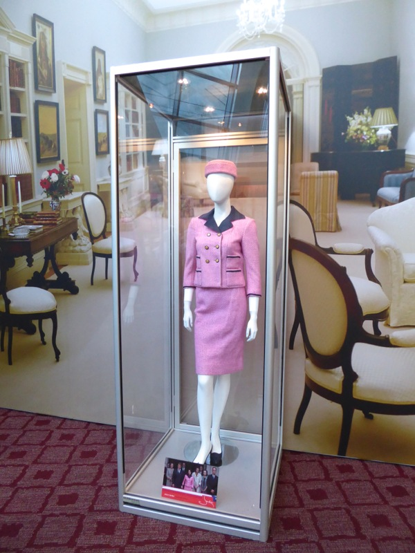 Natalie Portman Jackie Kennedy movie costume
