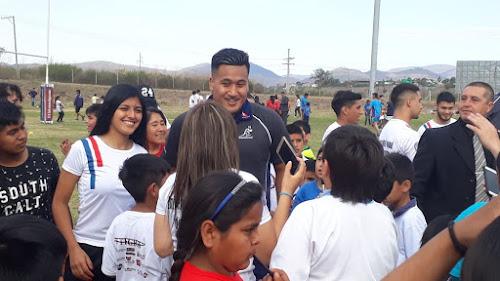Los Pumas y Walabies junto al Rugby en los Barrios