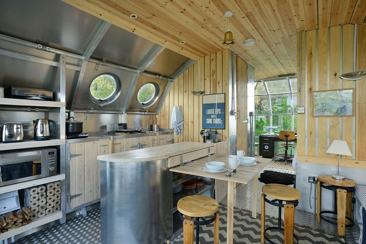 04-Kitchen-and-Dining-Area-Roderick-James-Architects-AirShip-Multifunctional-Architectural-Home-www-designstack-co