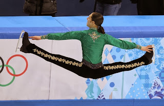 19. How's it hangin'? - 22 Olympics Photos That Will Destroy Your Faith In Gravity