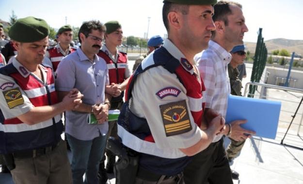 Νέο κύμα συλλήψεων υψηλόβαθμων στρατιωτικών στην Τουρκία