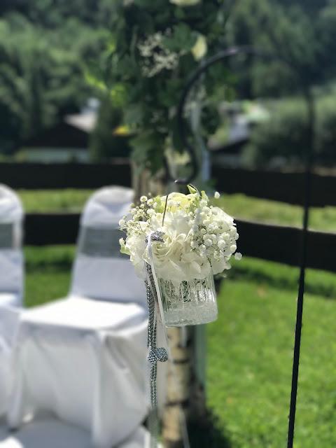 Trauung unter freiem Himmel, Hochzeit zu Dritt, kleine Familienhochzeit, Riessersee Hotel Garmisch-Partenkirchen, Bayern, freie Trauung