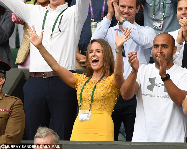 Kim Murray cheers on Andy in a Jenny Packham embellished dress at the 2016 Wimbledon Final