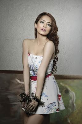 Foto Seksi Fahria Yasmin, DJ Sekaligus Model Cantik Yang Memiliki