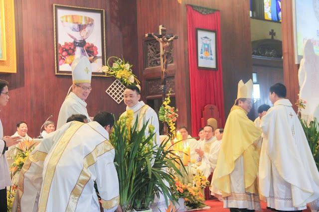 Lễ truyền chức Phó tế và Linh mục tại Giáo phận Lạng Sơn Cao Bằng 27.12.2017 - Ảnh minh hoạ 184