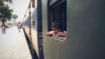 जानिये बीमार लोगो को भारतीय रेलवे के किराये मे कितनी छूट और सुविधाये मिलती है, indian railway rules for patients