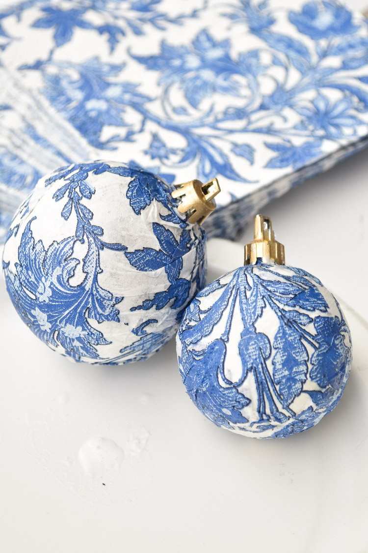 Blue and white DIY chinoiserie ornament with gold cap