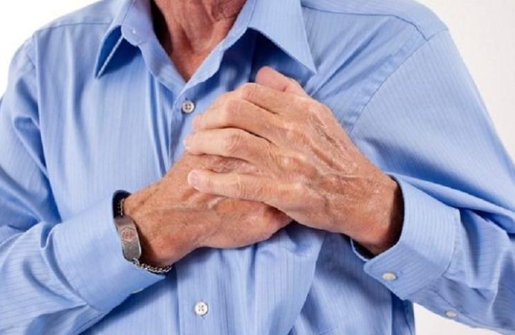 Membuat Jus Kemiri Yogurt Untuk Mencegah Resiko Jantung Koroner
