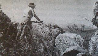 E. Sapieha w punkcie obserwacyjnym nad kopalnią rubinów