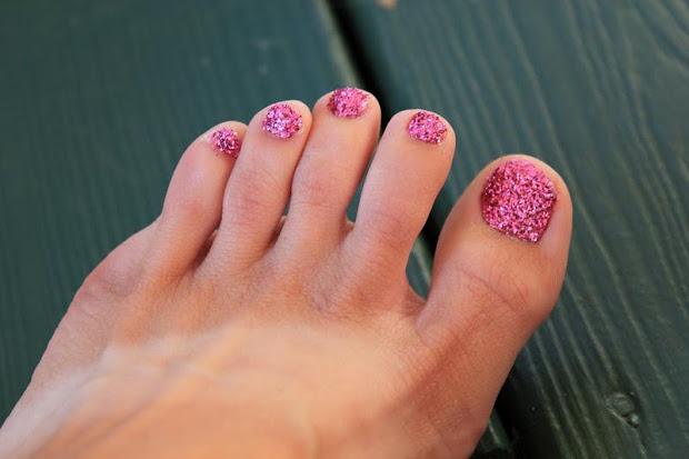 muddy princess glitter toes