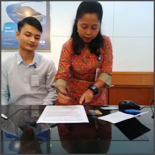 foto-pelayanan-pelanggan-customer-service-bank-BCA-jakarta