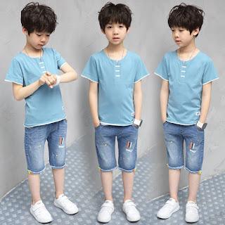 Fashion Anak Laki Untuk Berwisata