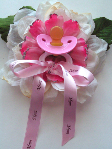 Mommy to be Corsage