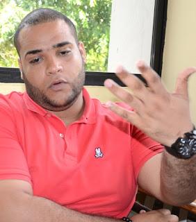 Yimi Zapata continuará como presidente de la Federación de Estudiantes Dominicanos