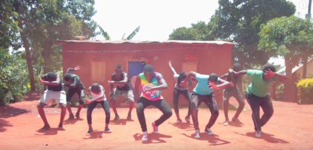 Eddy Kenzo Ft. Ibra Buwembo & OneLife Music - Komole