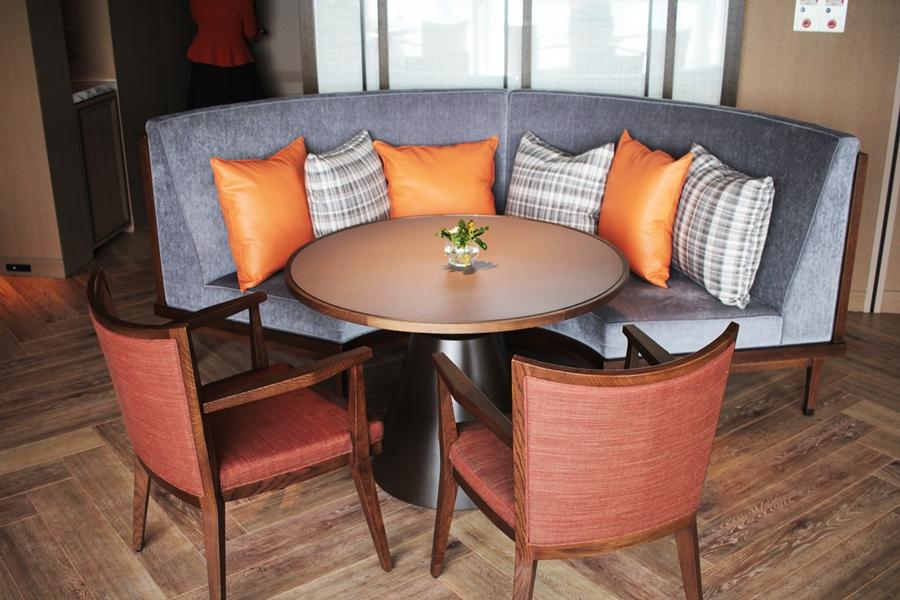 the prince hotel exicutive lounge