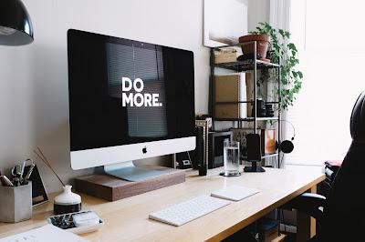 office, desk, desktop, pencil, pens, keyboard, wood, lamp, white wall, light