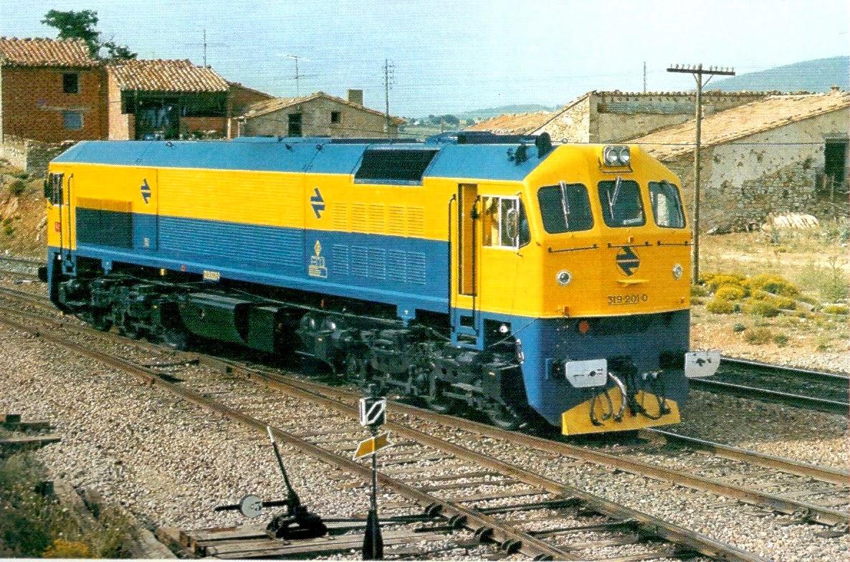 La 319-201 en Barracas durante las primeras pruebas de la subserie 200  (Foto: Justo Arenillas/CARRIL)