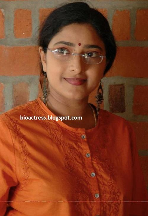Malayalam Serial Actress Praveena Exposing Hot-3004