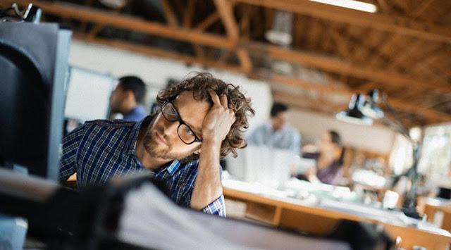 Disaat bekerja seringkali kita mencicipi hal Berita Terhangat Sering Merasa Jenuh Saat Bekerja? Begini Cara Memotivasi Diri