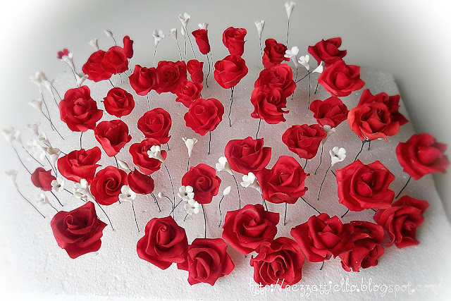 Rose Rosse in gum paste