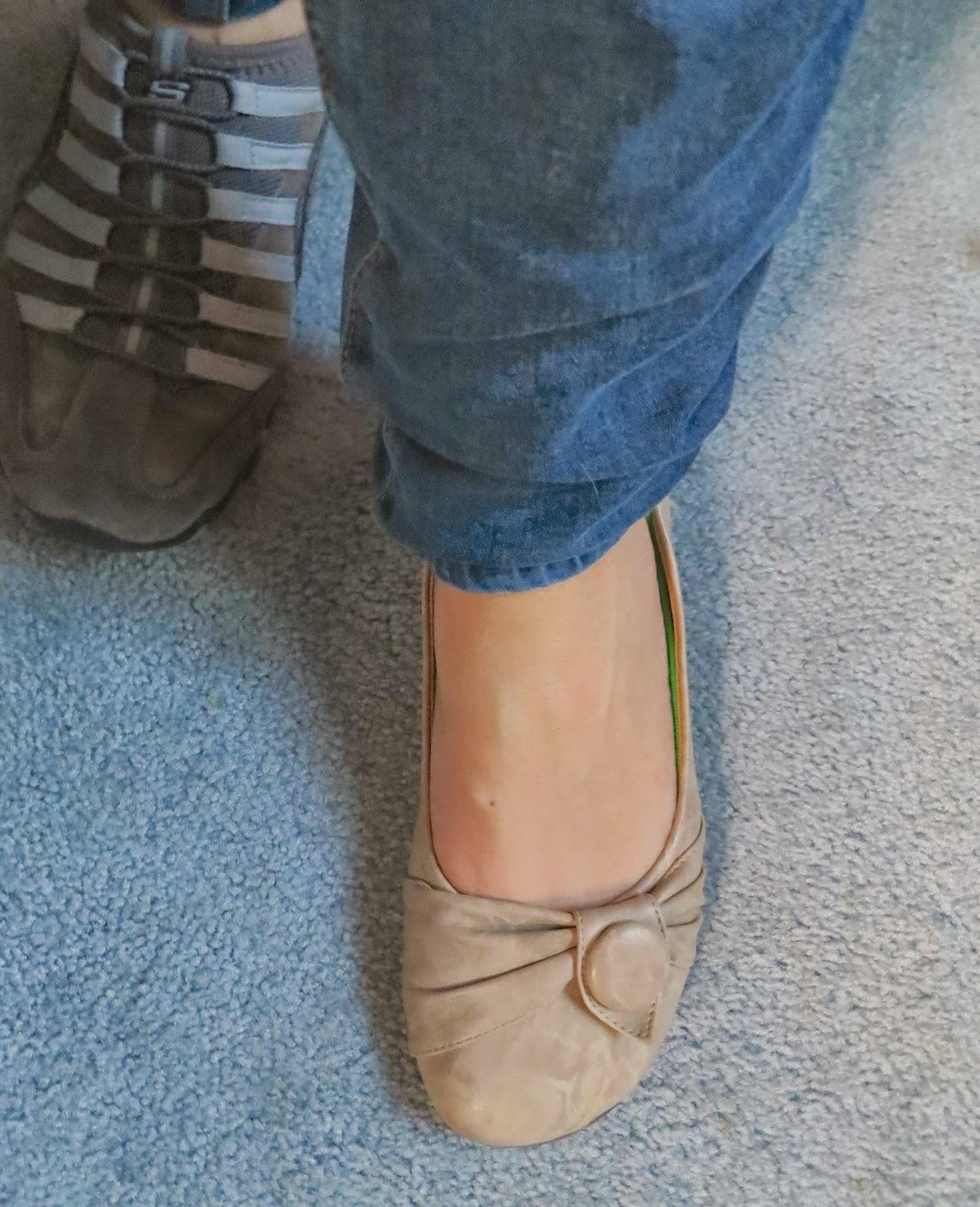 Ask Away Blog: 5 Reasons I Love Wearing Keysocks with Flats!