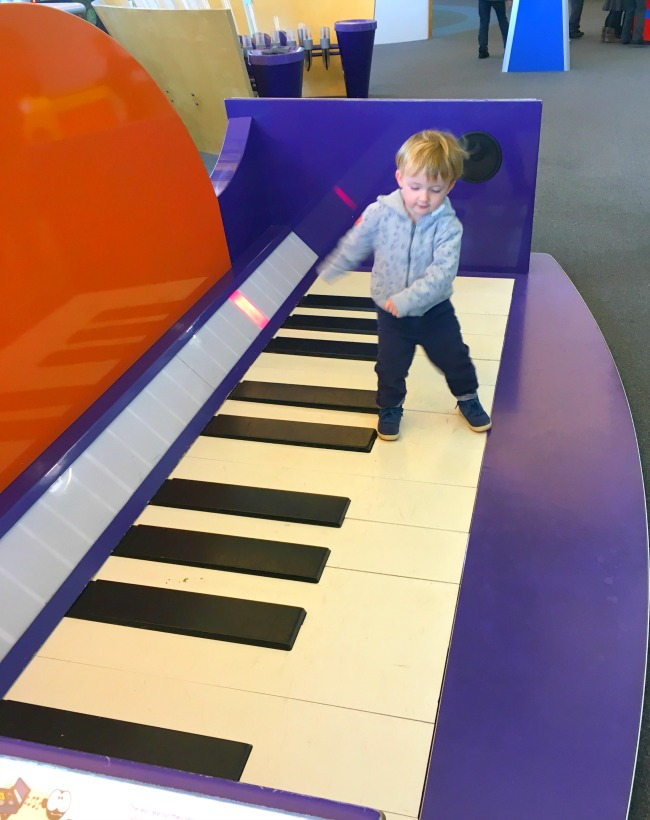 techniques-a-toddler-playing-with-giant-keyboard
