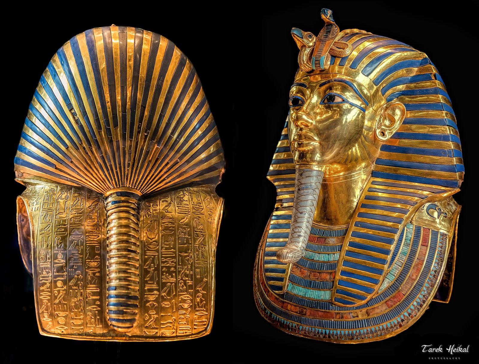 ツタンカーメンの黄金のマスクの背面と左前面