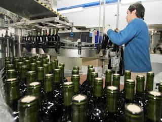 Beneficio. El fraccionamiento de vinos en origen cuenta actualmente con incentivos fiscales, pero se los podrían quitar a las bodegas que utilicen caldos chilenos para envasarlos en la provincia.