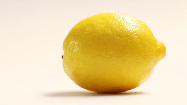 Cara Memanfaatkan Buah Lemon Untuk Kulit Wajah