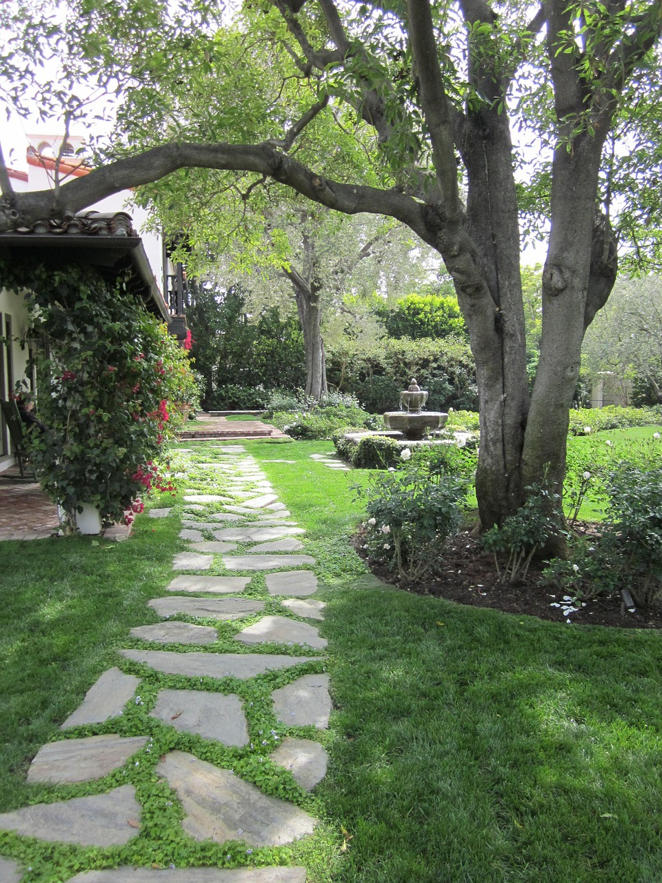 Guest post redesign your own garden paradise with for Redesign your garden