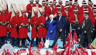 Ο νέος Σουλτάνος Ρ. Ερντογάν απειλεί Ελλάδα-Ρωσία και ΗΠΑ ταυτόχρονα