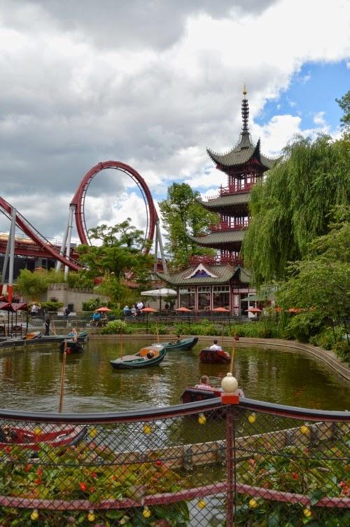 Tivoli, Copenhagen, amusement park, Denmark, Dánsko, zábavní park, pouť, chinese pavilion