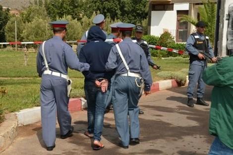 عناصر الدرك توقف تاجر مخدرات ضاحية شيشاوة