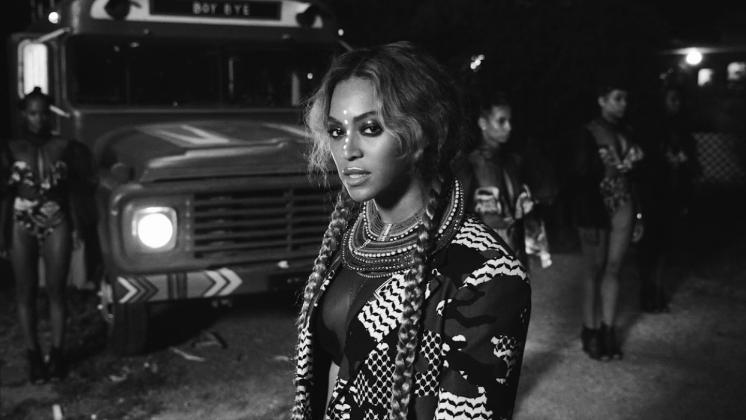 """Meses após sua estreia na HBO, """"Sorry"""" será o novo single de Beyoncé e teve seu clipe revelado na Vevo."""