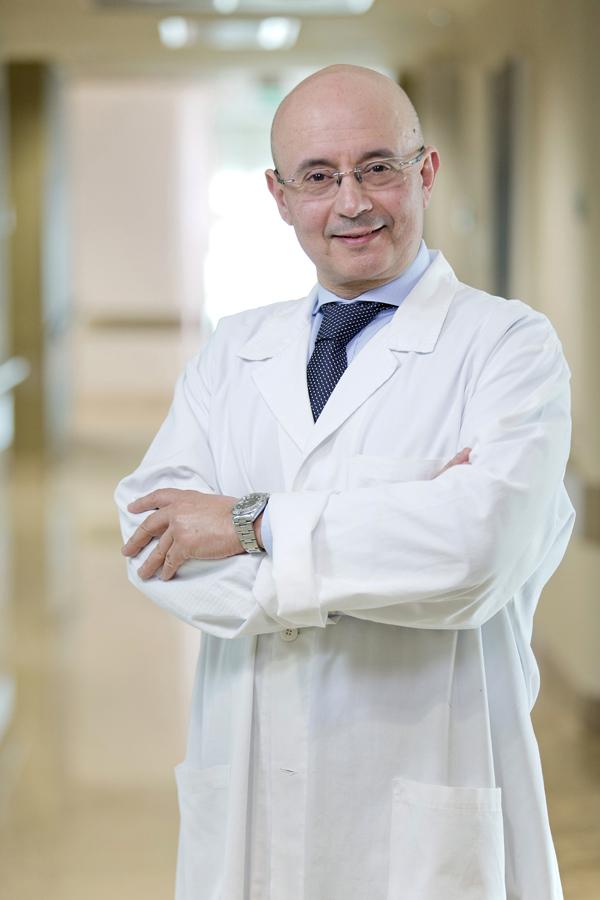 Dottor Albertini, coordinatore dell'Unità Operativa di Chirurgia Cardio-Toraco-Vascolare a Maria Cecilia Hospital