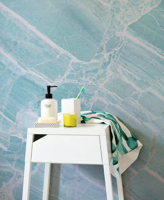 Новости дизайна. Элегантное дорогое оформление стен с помощью мраморных обоев