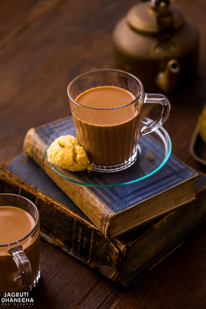 A cup of Karak Chai or Chai Karak is just what you need in the morning to face the day. Strong, spiced and mildly sweet, this easy Karak Chai takes less than 10 minutes to make. Make this delicious and strong tea using loose black tea, sugar, whole spices and milk.