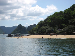 7 Beautiful Beachs in Halong Bay 7