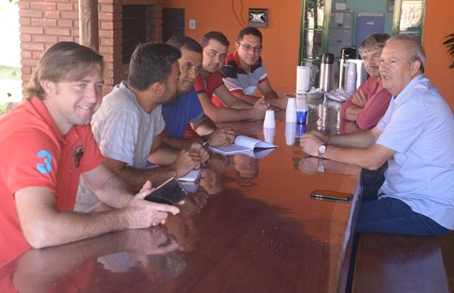 Em reunião com os moradores da Comunidade do KM 30, prefeito Zito Barbosa anuncia melhoria para a localidade