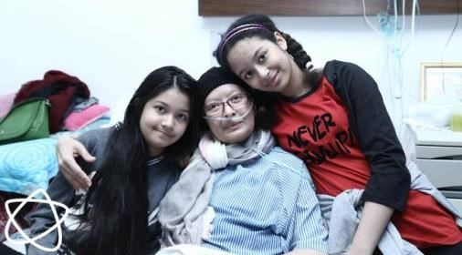 foto putri patricia kagumi ketegaran yana zein dan dua putrinya